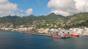 Λιμένας και πόλη στο νησί στην καραϊβική θάλασσα Kingstown, Άγιος Vincent και Γρεναδίνες απόθεμα βίντεο