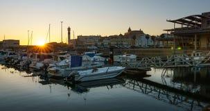 Λιμένας της αλλαγής βάρδιας στο χρόνος-σφάλμα Καντίζ Ισπανία ηλιοβασιλέματος απόθεμα βίντεο