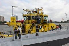 Λιμένας της βάρκας ρυμουλκών του Ρότερνταμ στον ποταμό Maas Στοκ φωτογραφία με δικαίωμα ελεύθερης χρήσης