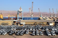 Λιμένας φορτίου και νέα αυτοκίνητα για την πώληση, Eilat, Ισραήλ στοκ φωτογραφία με δικαίωμα ελεύθερης χρήσης