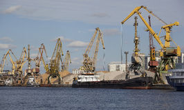 Λιμένας φορτίου Στοκ φωτογραφίες με δικαίωμα ελεύθερης χρήσης