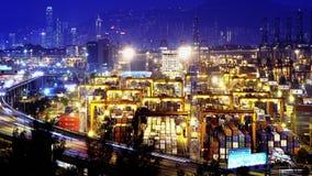 Λιμένας Timelapse εμπορευματοκιβωτίων τη νύχτα. Χονγκ Κονγκ. Tig απόθεμα βίντεο