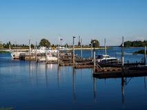 Λιμενικές βάρκες, αντανάκλαση, ομαλή επιφάνεια Στοκ Εικόνες