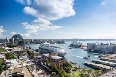 Λιμενική άποψη του Σίδνεϊ στο sunmmer Στοκ εικόνα με δικαίωμα ελεύθερης χρήσης