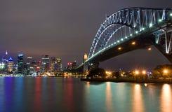 λιμενική νύχτα Σύδνεϋ γεφυρών Στοκ Φωτογραφίες