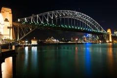 λιμενική νύχτα Σύδνεϋ γεφυ& Στοκ Εικόνα