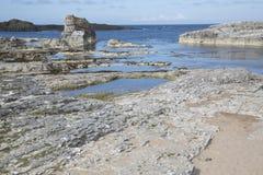 Λιμενική παραλία Ballintoy  Κομητεία Antrim  Βόρεια Ιρλανδία Στοκ Εικόνα