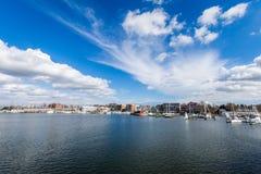 Λιμενική περιοχή Annapolis, Μέρυλαντ μια νεφελώδη ημέρα άνοιξη με το s Στοκ Εικόνα