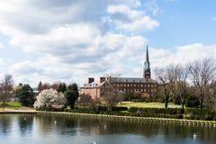Λιμενική περιοχή Annapolis, Μέρυλαντ μια νεφελώδη ημέρα άνοιξη με το s Στοκ Εικόνες