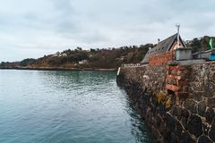 Λιμενικός τοίχος Rozel, Τζέρσεϋ, νησιά καναλιών στοκ φωτογραφία με δικαίωμα ελεύθερης χρήσης