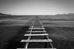 Λιμενοβραχίονας στην παραλία της Μαγιόρκα Στοκ Φωτογραφίες