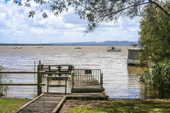 Λιμενοβραχίονας στη λίμνη Στοκ Φωτογραφία