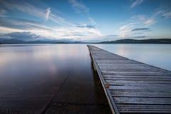 Λιμενοβραχίονας στη λίμνη Lomond Στοκ Φωτογραφία