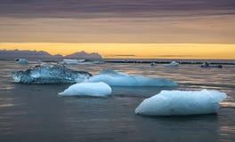 Λιμνοθάλασσα πάγου στην ανατολή Στοκ Εικόνα
