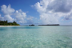 Λιμνοθάλασσα ονείρου παραλιών νησιών των Μαλδίβες Στοκ Εικόνες