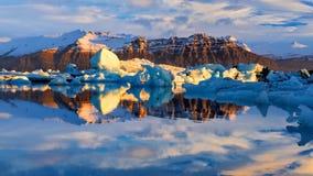 Λιμνοθάλασσα παγετώνων στην ανατολική Ισλανδία, φύση Στοκ Φωτογραφία