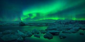 Λιμνοθάλασσα Jokulsarlon Στοκ Εικόνες