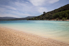 Λιμνών δύσκολη παραλία νερού κόλπων μπλε Στοκ Εικόνες