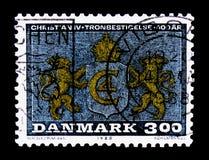Λιοντάρια που υποστηρίζουν το μονόγραμμα, Χριστιανός IV βασιλιάδων - 125η επέτειος της προσθήκης serie, circa 1988 Στοκ φωτογραφία με δικαίωμα ελεύθερης χρήσης