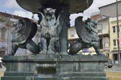 Λιοντάρια χαλκού στην πηγή Στοκ φωτογραφία με δικαίωμα ελεύθερης χρήσης
