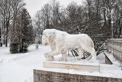 Λιοντάρι κοντά στο παλάτι Yelagin Η Αγία Πετρούπολη Ρωσία Στοκ φωτογραφίες με δικαίωμα ελεύθερης χρήσης