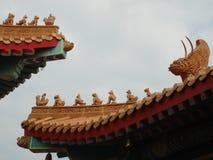 Λιοντάρι στην κινεζική στέγη ναών Στοκ Εικόνες