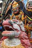 Λιοντάρι Tempel μπροστά από την ινδή θεότητα Kala Bhairav Στοκ εικόνες με δικαίωμα ελεύθερης χρήσης