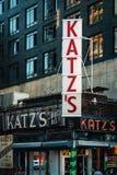 Λιχουδιές Katz, στη χαμηλότερη ανατολική πλευρά, Μανχάταν, πόλη της Νέας Υόρκης στοκ εικόνες με δικαίωμα ελεύθερης χρήσης
