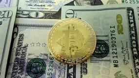 Λογαριασμοί Bitcoin και δολαρίων Σύνθεση εικόνας φωτογραφιών Στοκ Φωτογραφία