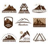 Λογότυπα βουνών καθορισμένα απεικόνιση αποθεμάτων