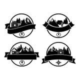 Λογότυπα και ετικέτες διακριτικών στρατόπεδων περιπετειών για οποιαδήποτε χρήση ελεύθερη απεικόνιση δικαιώματος