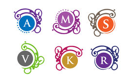 Λογότυπο επιστολών με το διανυσματικό σύνολο πλαισίων διακοσμήσεων πολυτέλειας Στοκ Εικόνες