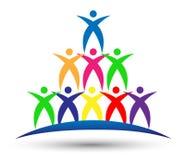Λογότυπο εργασίας ομάδας, συνεργασία, εκπαίδευση, επιτυχές σύμβολο εικονιδίων ανθρώπων εορτασμού στο άσπρο υπόβαθρο διανυσματική απεικόνιση