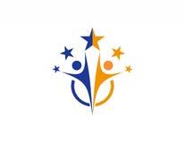 Λογότυπο εργασίας ομάδας, partnesrship, εκπαίδευση, σύμβολο εικονιδίων ανθρώπων εορτασμού διανυσματική απεικόνιση