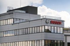 Λογότυπο εταιριών Bosch στην οικοδόμηση της έδρας στις 18 Ιουνίου 2016 στην Πράγα, Τσεχία Στοκ Φωτογραφίες