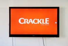 Λογότυπο κροταλισμάτων και app στην οθόνη TV LG Στοκ Εικόνα