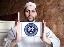 Λογότυπο λεσχών ποδοσφαίρου πόλεων FC της Νέας Υόρκης Στοκ φωτογραφία με δικαίωμα ελεύθερης χρήσης