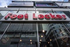 Λογότυπο ντουλαπιών ποδιών στο κύριο κατάστημά τους για το Τορόντο, Οντάριο Το ντουλάπι ποδιών είναι αμερικανικός λιανοπωλητής τω στοκ φωτογραφία με δικαίωμα ελεύθερης χρήσης