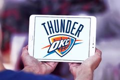 Λογότυπο ομάδα μπάσκετ βροντής Πόλεων της Οκλαχόμα στοκ φωτογραφία με δικαίωμα ελεύθερης χρήσης