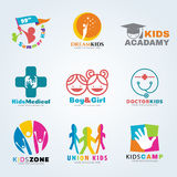 Λογότυπο παιδιών για καθορισμένο σχέδιο επιχειρησιακής το διανυσματικό τέχνης απεικόνιση αποθεμάτων