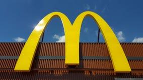 Λογότυπο της McDonald's σε EXPO 2015 Μιλάνο Ιταλία Στοκ Φωτογραφίες
