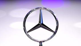 Λογότυπο της Mercedes-Benz στο αυτοκίνητο απόθεμα βίντεο