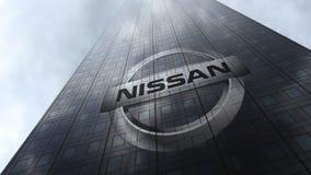 Λογότυπο της Nissan σε μια πρόσοψη ουρανοξυστών που απεικονίζει τα σύννεφα Εκδοτική τρισδιάστατη απόδοση Στοκ Φωτογραφία