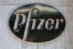 Λογότυπο της Pfizer Στοκ φωτογραφία με δικαίωμα ελεύθερης χρήσης