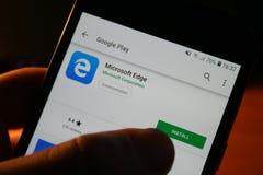 Λογότυπο app του Internet Explorer στην τηλεφωνική οθόνη της Samsung στοκ φωτογραφία