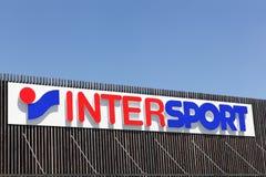 Λογότυπο Intersport σε μια πρόσοψη Στοκ εικόνα με δικαίωμα ελεύθερης χρήσης