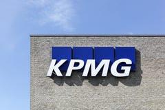 Λογότυπο KPMG σε έναν τοίχο Στοκ Εικόνες
