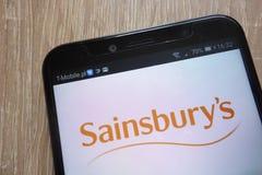 Λογότυπο Sainsbury που επιδεικνύεται σε ένα σύγχρονο smartphone στοκ φωτογραφία με δικαίωμα ελεύθερης χρήσης