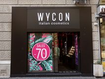 Λογότυπο Wycon στο mainstore τους για τη Σερβία Το Wycon είναι ιταλικός λιανοπωλητής καλλυντικών στοκ φωτογραφία με δικαίωμα ελεύθερης χρήσης