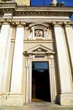 Λομβαρδία στο παλαιό πεζοδρόμιο πύργων arsizio busto Στοκ Εικόνες